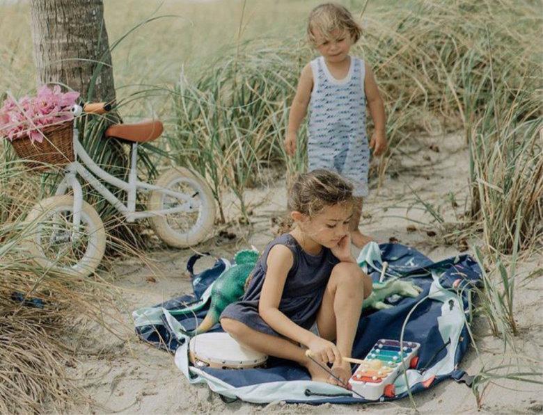 Djeca na plaži