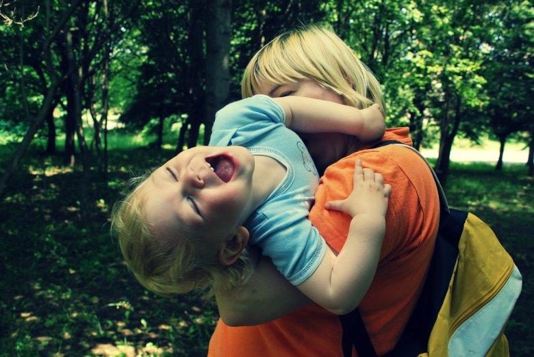 Nekad se teško sjetiti kako je bilo biti dijete i što nasmijava jednogodišnjake